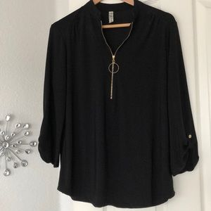 Zipper Black buttoned Sleeve Blouse